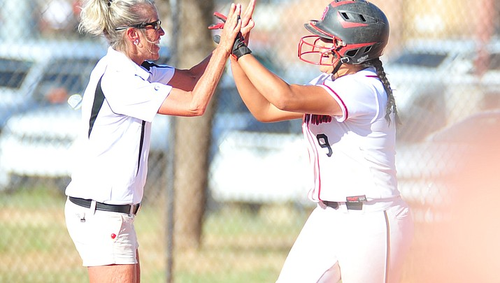 Bears rally in 4th, advance to state playoffs with 9-2 rout over Peoria