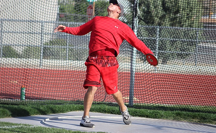 Kael Juelfs enters the state tournament as the No. 4 seed in the shot put, which is the the highest-ranked athlete for the Vols. The senior is also the No. 16 seed in the discus.