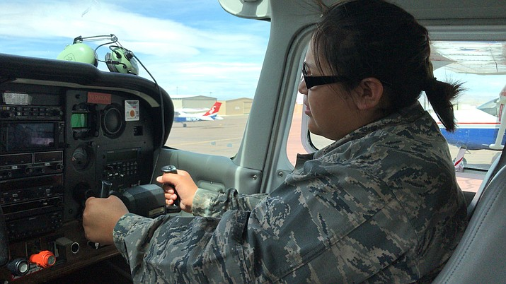 Cadet Amaris Tracy, 13, prepares to co-pilot a single-engine Cessna over the Grand Canyon. (Photo by Olivia Richard/Cronkite News)