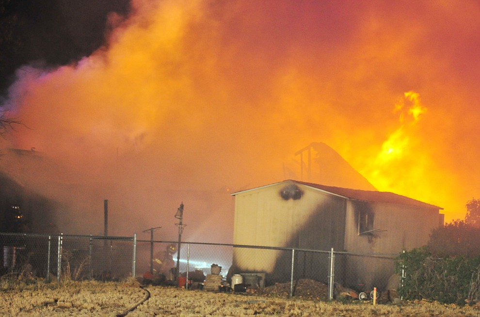 Central Arizona Fire & Medical and Prescott Valley Police responded to this structure fire on Las Flores Avenue in Prescott Valley Tuesday, May 8, 2018. (Les Stukenberg/Courier)