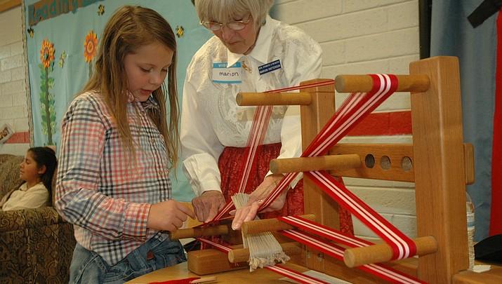 Del Rio fourth graders get hands-on lesson in Arizona history