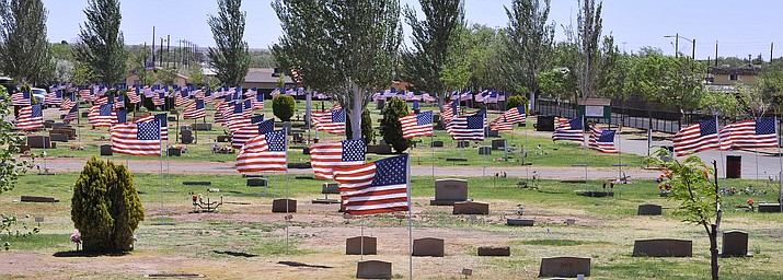 Flags fly at Desert View Cemetery in Winslow in time for Memorial Day. (Todd Roth/NHO)