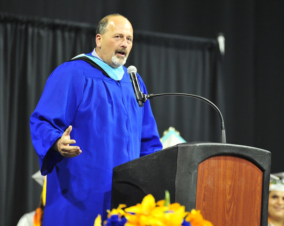 Keynote speaker teacher Kevin Schoenfeld speaks at the Chino Valley Commencement held Wednesday, May 23, 2018 at the Prescott Valley Event Center. (Les Stukenberg/Courier)