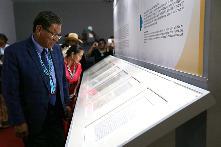 President Russell Begaye and Chief Justice JoAnn Jayne view the original Treaty of 1868. (Office of the President and Vice President)