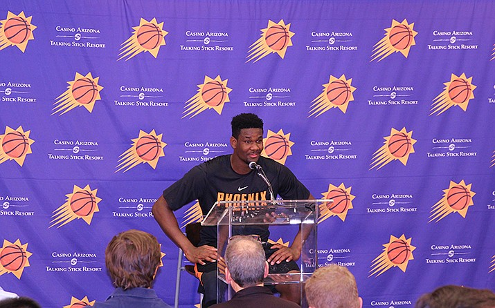 Former Arizona big man Deandre Ayton speaks to media after his pre-draft workout with the Phoenix Suns. (Photo by Nathanael Gabler/Cronkite News)