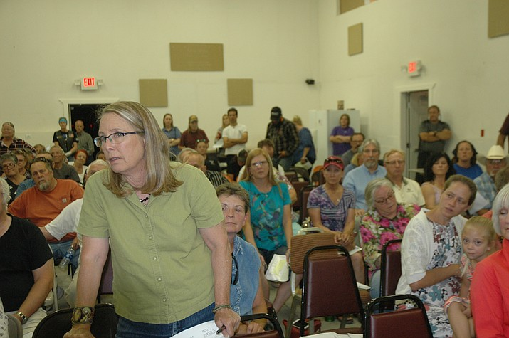 Jeanne Forsyth makes her voice heard in opposition to the Big Chino Valley Pumped Storage Project at the Paulden Area Community Organization Meeting in the Paulden Community Center on Thursday, June 9. (Jason Wheeler/Review)