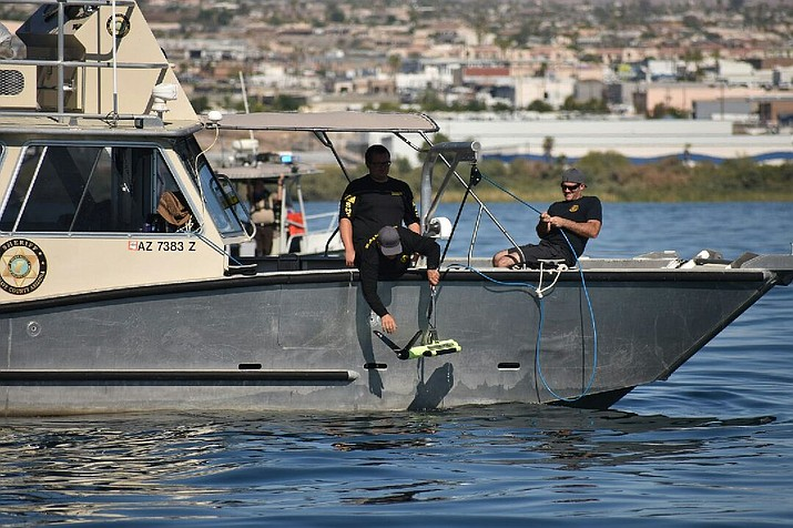 Mohave County deputies with the Division of Boating Safety use side-scan sonar looking for Rosario Carreon of Phoenix. Carreon's body was located Tuesday morning. (Photo by Mohave County Sheriff's Office)