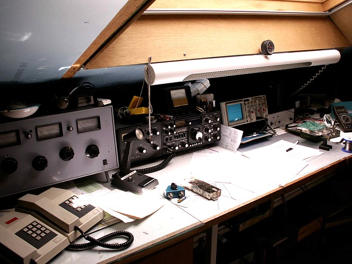 Amateur radios aren't used to communicate on a day to day basis but they can be useful during emergencies. The Hualapai Amateur Radio Club is hosting an event to teach the public about amateur radios. (Photo By KVDP [Public domain], from Wikimedia Commons)