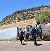 One person killed jumping from runaway semi-truck on I-17 photo
