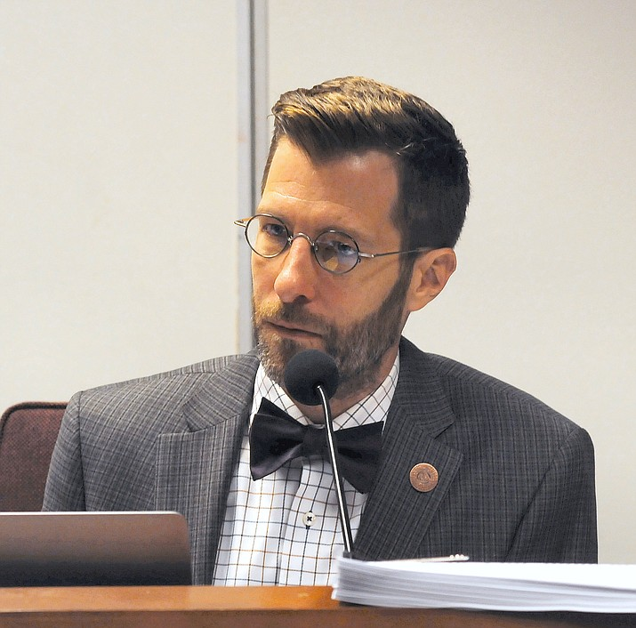 Rep. Ken Clark explains Thursday why he believes a description for voters of a ballot measures on changes to the Citizens Clean Elections Commission is biased. (Howard Fischer, Capitol Media Services/Courtesy)