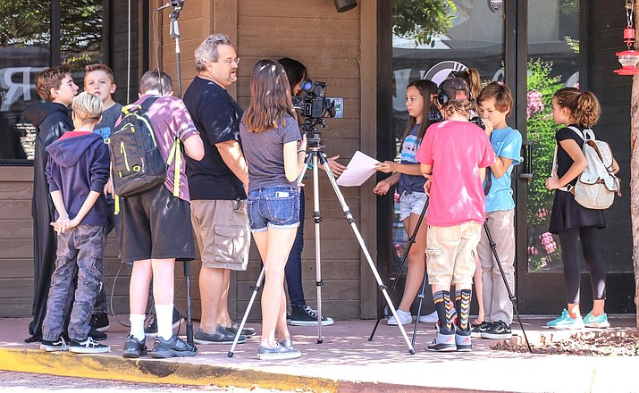 Summer Art of FilmmakingCamps at the Sedona Arts Center provides a rich artistic environment for youth ages 10–14. Students begin by deconstructing scenes from contemporary favorites, examining all the aspects that make a scene work. Students then develop their own unique storyline to bring to the big screen.