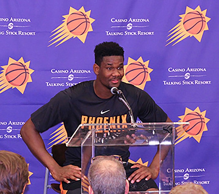Deandre Ayton scored 17 points and grabbed 13 rebounds Monday in the Suns' 71-53 win over the Magic in Summer League. (Photo by Nathanael Gabler/Cronkite News)