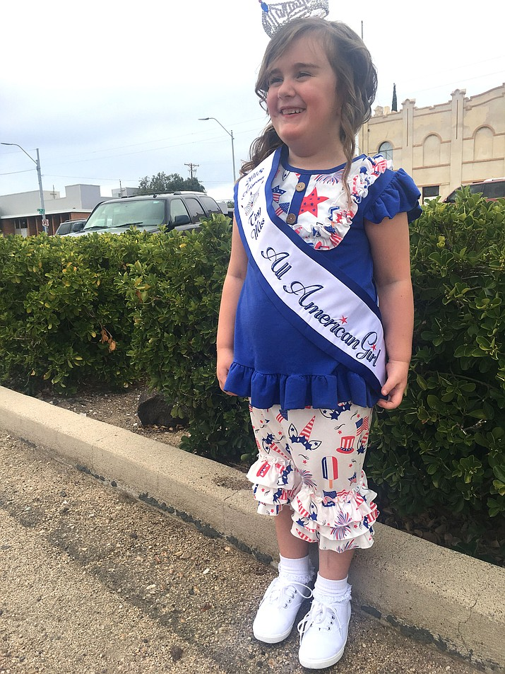 Arianna Heinze, 5, is competing in Las Vegas toward the end of July and hopes to bring home another crown. (Photo by Vanessa Espinoza/Daily Miner)