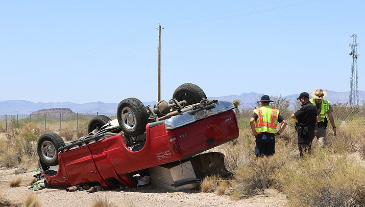 One-vehicle rollover accident on the I-40, no serious injuries