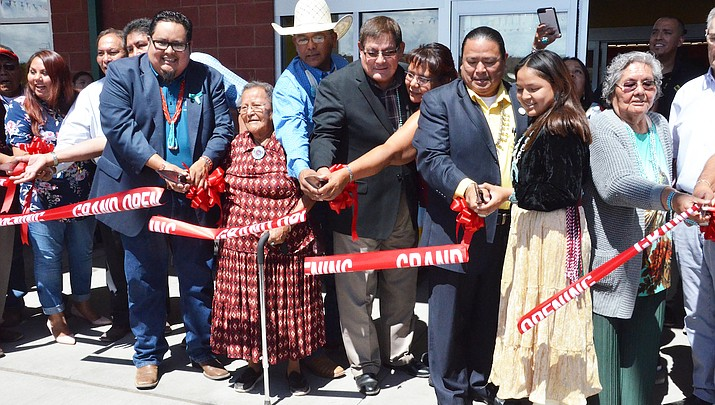 Ganado celebrates opening of Lok'aah Ni Teel Shopping Center