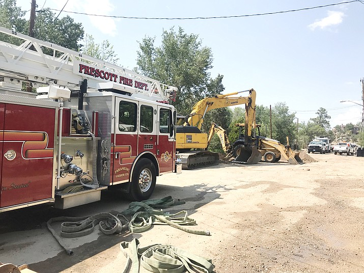 A road construction crew hit a gas meter on the supply side in the 500 block of Dameron Drive in Prescott Tuesday July 31, 2018. Unisource was on scene within 20 minutes and capped the leak. (Les Stukenberg/Courier)