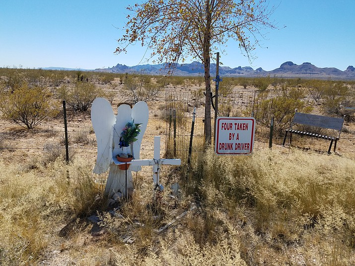A memorial on Highway 68 in Golden Valley marks the spot where four people died in a traffic accident. Arizona Department of Transportation reported 1,000 traffic fatalities in 2017. (File photo)