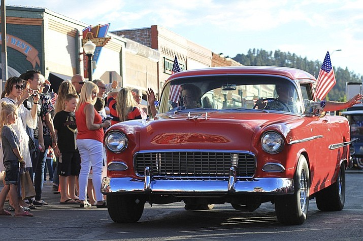 Williams City Council plans to meet with the Arizona Historic Preservation Association before deciding whether or not to support a bill that could designate Route 66 as a National Historic Trail with administration by the National Park Service. (Loretta Yerian/WGCN)