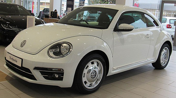 A Volkswagen Beetle. Owners of this model in years 2013-2015 are eligible to make a claim with the automaker. (Photo by Vauxford, CC BY 4.0, https://bit.ly/2OTnjtU)