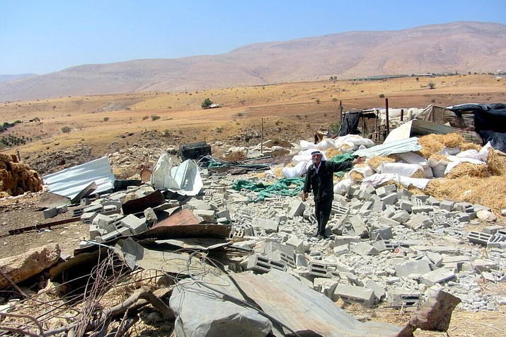 Ruins in the community of Khirbet Humsah from Aug. 11, 2015. Hamas leaders say a cease fire with Israel was reached Thursday night, Aug. 10, 2018. (Photo by 'Aref Daraghmeh, B'Tselem, CC BY 4.0, https://bit.ly/2vyl2MD)