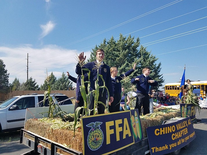 A few members from the Chino Valley chapter of Future Farmers of America wave to the crowd during the annual Corn Dinner in 2017. (Cindy Daniels/Courtesy)
