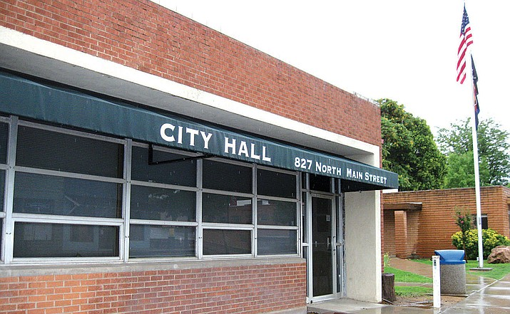 The City of Cottonwood intends to sell some of its used and unused property appraised at almost $3 million.  One of the properties listed is the City Hall building located at 826 N. Main St. It is currently appraised at $1.8 million. VVN/Dan Engler