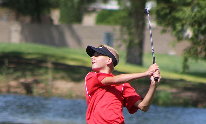 Cole Finch finished with a team-best 4-over 40 during Lee Williams' season-opening win at Cerbat Cliffs Golf Course. (Photo by Beau Bearden/Daily Miner)