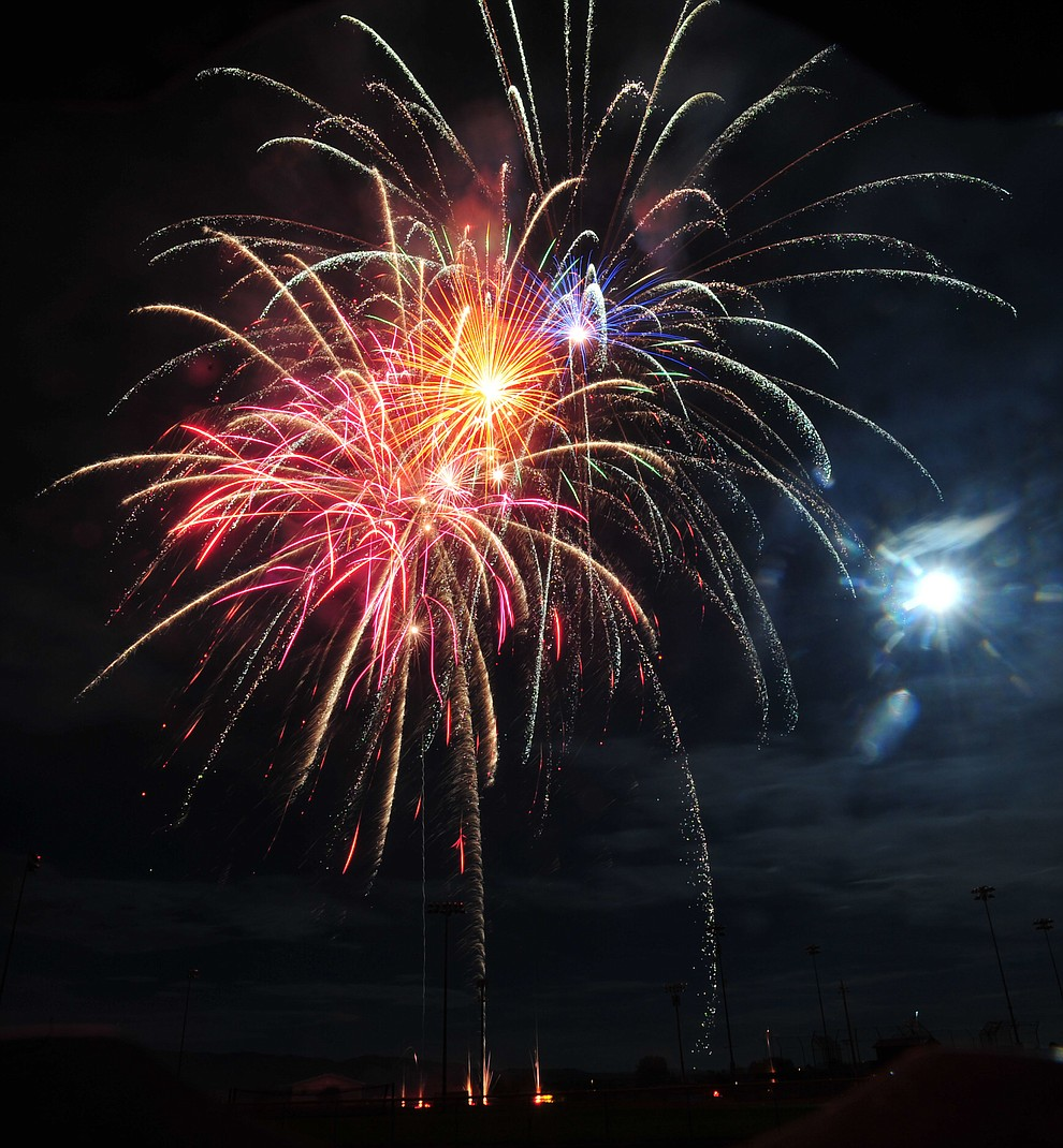 Prescott Valley celebrated their 40th anniversary with a 40 minute fireworks display at Mountain Valley Park Saturday, August 25, 2018. (Les Stukenberg/Courier)