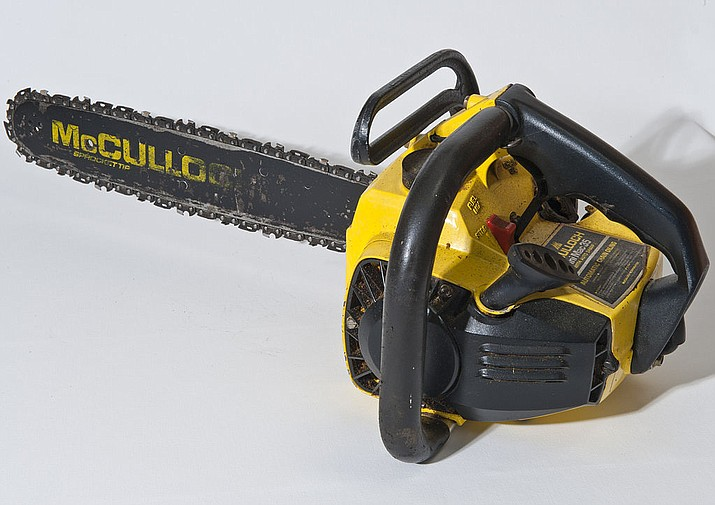 A McCulloch chainsaw. (Photo by Hgrobe, CC 3.0, https://bit.ly/2onTRAr)