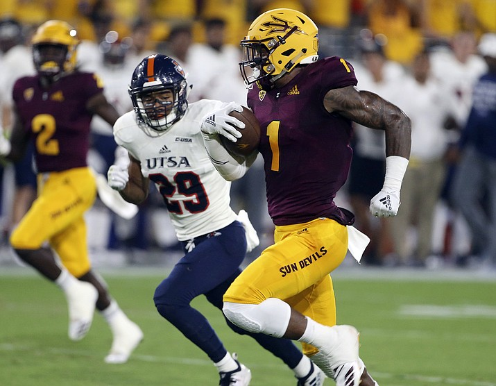 Arizona State wide receiver N'Keal Harry (1) runs to the end zone ahead of UTSA defensive back Clayton Johnson (29) on a 58-yard touchdown reception during the first half of an NCAA college football game, Saturday, Sept. 1, 2018, in Tempe, Ariz. (Ralph Freso/AP)