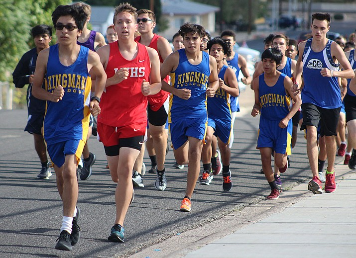 Lee Williams, Kingman and Kingman Academy runners compete at the season-opening Lee Williams Multi. (Photo by Beau Bearden/Daily Miner)