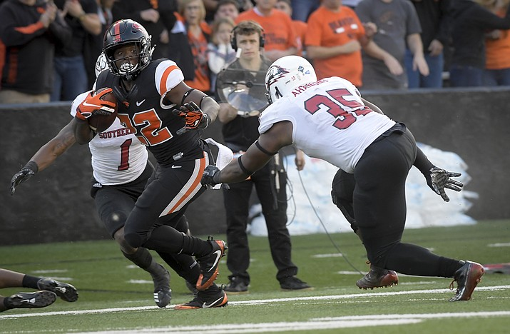 Oregon State's Jermar Jefferson carries the ball against Southern Utah during an NCAA college football game Saturday, Sept. 8, 2018, in Corvallis, Ore. (Andy Cripe/The Corvallis Gazette-Times via AP)