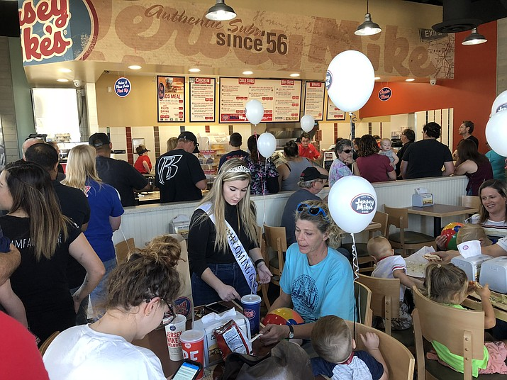 Jersey Mike's grand opening Wednesday is a success. (Photo by Claire Whitley/Daily Miner)