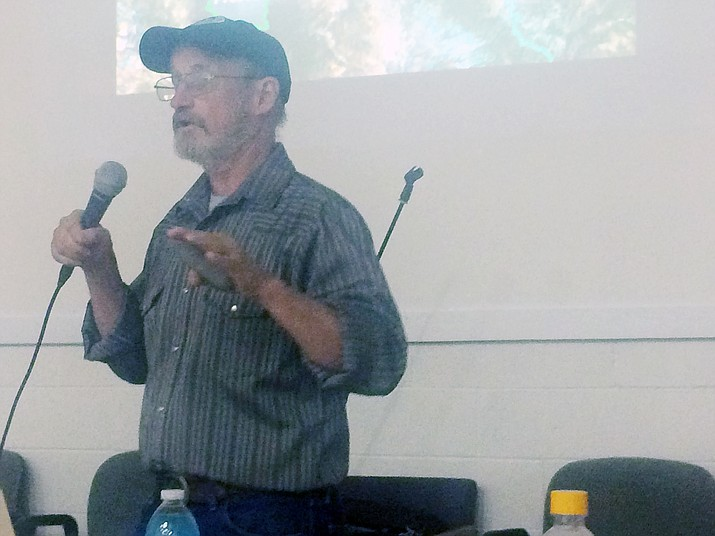 Gary Beverly, Citizens Water Advocacy Group president and Sierra Club Yavapai Group chair, speaking at the Highlands Natural Resources Preservation Group meeting Thursday, Sept. 13. Beverly outlined four of the biggest threats to Paulden's water. (Jason Wheeler/Review)