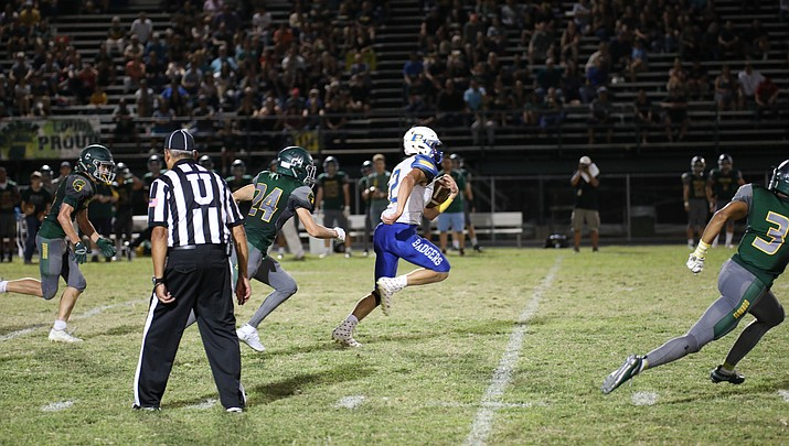 Austin Clark runs for 2 TDs, but Badgers fall to Canyon Del Oro 35-23