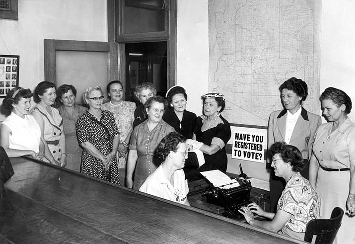 The Women's committee of the Mohave County Chamber of Commerce registering to vote. (Photo courtesy of Mohave County Museum of History and Arts)