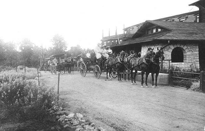 Horse drawn coaching parties leave the El Tovar Hotel to tour the South Rim, circa 1905. (Photo/Grand Canyon National Park Flickr)