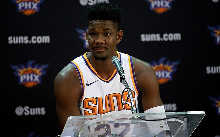 The Suns are confident they can build their defense around Deandre Ayton. (Photo by Justin Parham/Cronkite News)