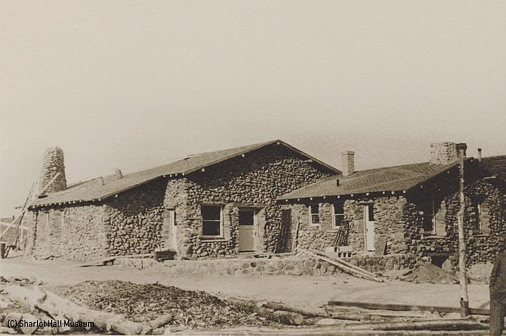 Early construction of the Depression-era stone building (pb146f34i1.jpg). Courtesy of Sharlot Hall Museum.