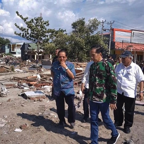 Joko Widodo at the destroyed Balaroa residential area, Palu following the 2018 earthquake. (The Government of Republic of Indonesia)