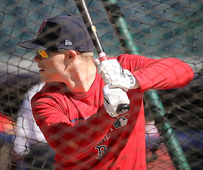Red Sox third baseman Brock Holt takes batting practice in 2016. Holt hit for the cycle as the Red Sox routed the New York Yankees on Monday night, 16-1. (Arturo Pardavila III file photo, cc-by-2.0, https://bit.ly/2C57EDV)