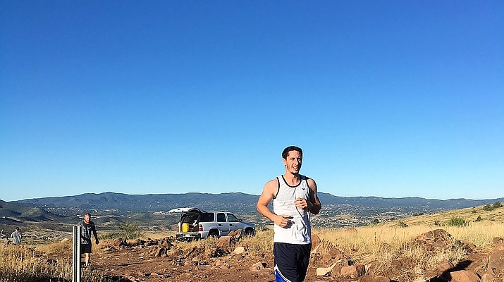 3 finish grueling Glassford Hill run in under an hour