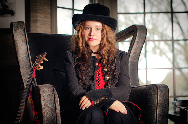 From her deep well of songs, reviewers say that Emi plays a wailing guitar; and can make the mandolin cry and the ukulele sing. Her ability to combine her youthful, bubbly disposition with deep, meaningful and rather dark song content brings her imagination to life.