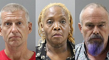 3 suspects using counterfeit $100 bills arrested at Costco photo