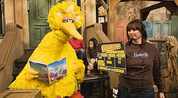 Puppeteer who played Big Bird on 'Sesame Street' retiring photo
