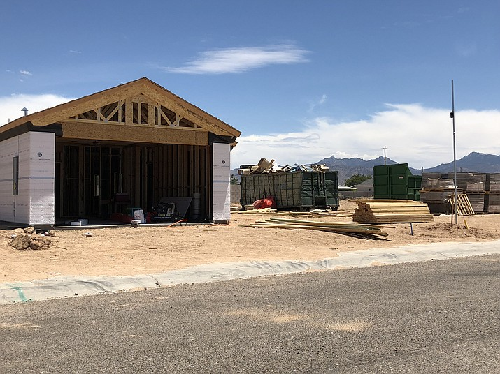 The City of Kingman issued 12 business licenses for the week ending Oct. 19. (Daily Miner file photo)