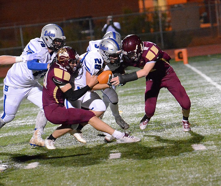 The Snowflake Lobos defeated the Winslow Bulldogs 23-0 in a late season game Oct. 26 in Winslow. (Todd Roth/NHO)