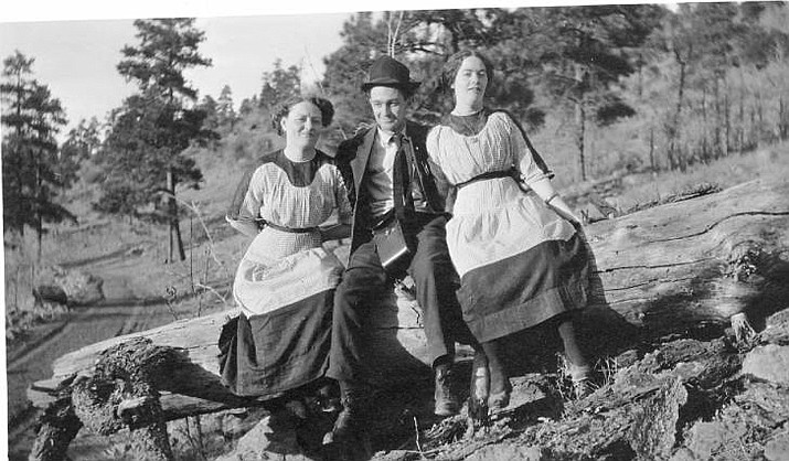 Sid Terry with two Harvey House food servers, often referred to as Harvey Girls in Williams, circa 1918. (Williams Historic Photo Archives)