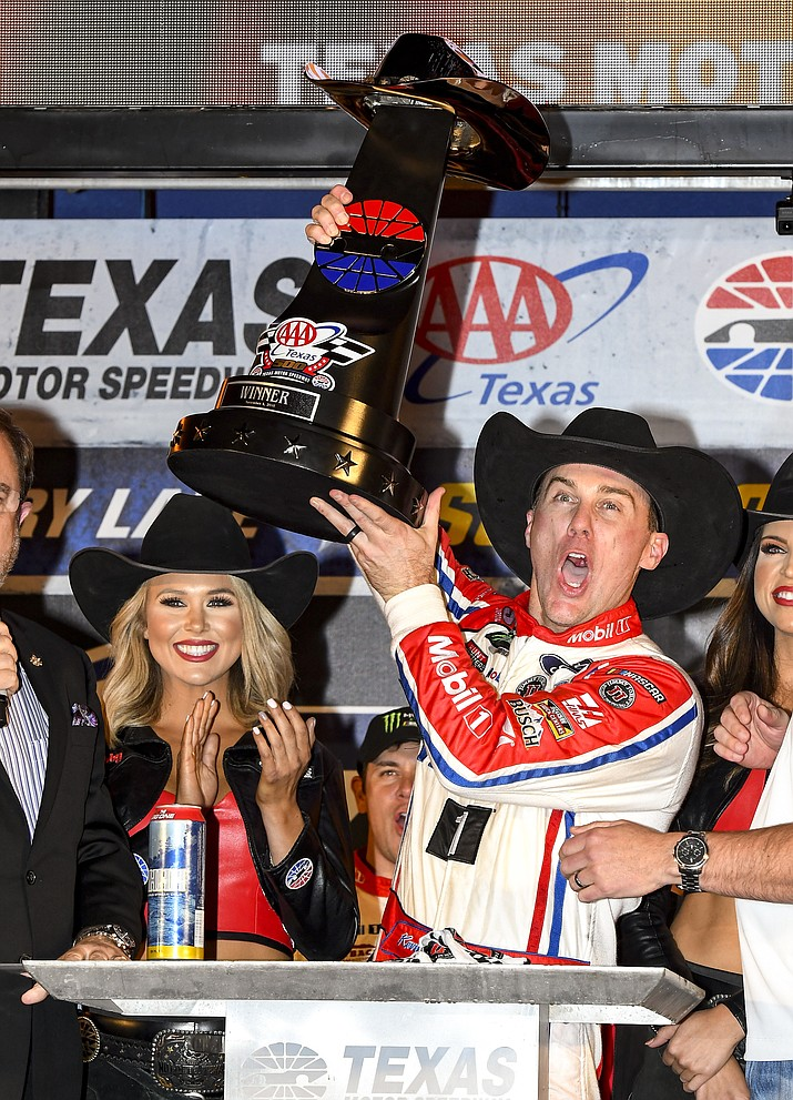 Kevin Harvick celebrates in Victory Lane after winning a NASCAR Cup auto race at Texas Motor Speedway, Sunday, Nov. 4, 2018, in Fort Worth, Texas. (Larry Papke/AP)