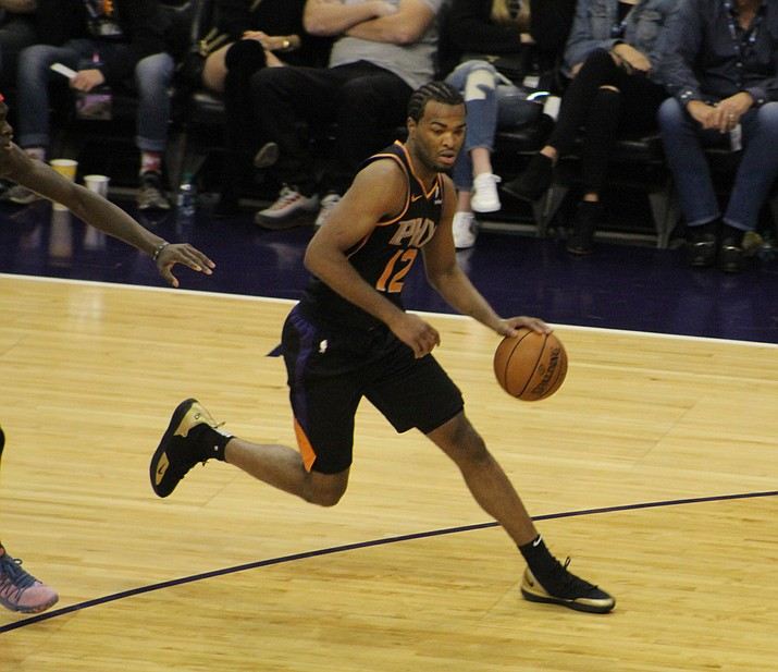 Phoenix's TJ Warren tallied 29 points and seven rebounds Thursday night, but the Suns couldn't hold off the Celtics in a 116-109 overtime loss. (Daily Miner file photo)